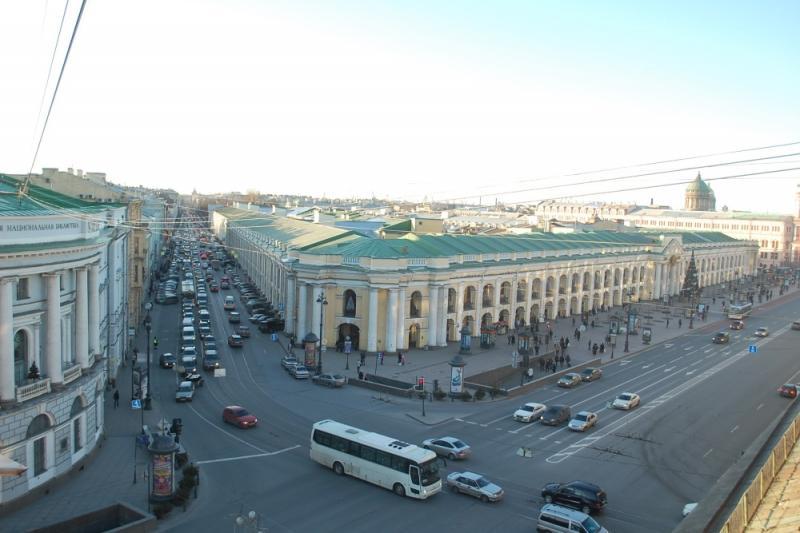 Панорамная терраса музея-фотосалона имени К. К. Буллы с видом на Невский проспект